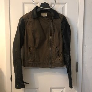 New , Ashley top jacket s-s Zippers great , $11